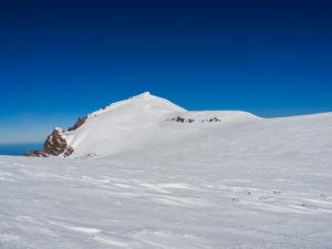 The saddle at the top of Rainier between Columbia Crest and Liberty Cap